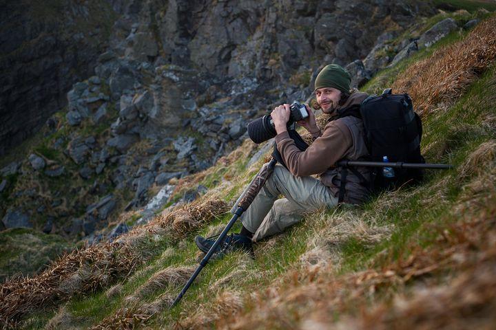Při focení papuchalků v Norsku (foto: Jakub Hodáň)
